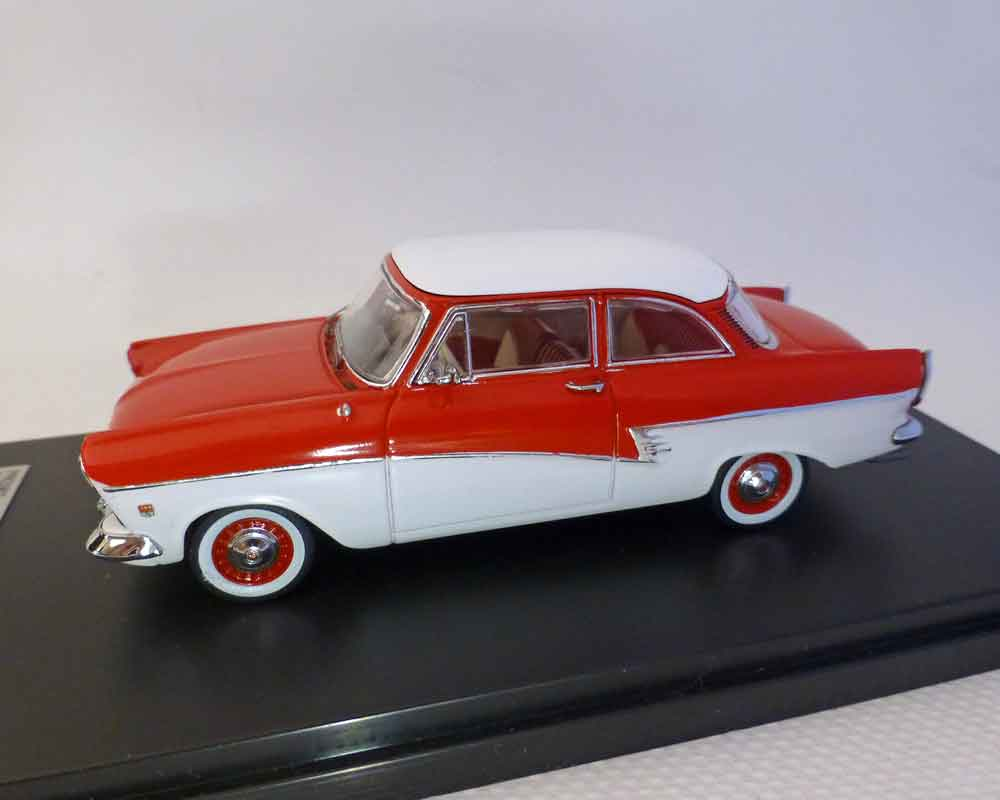 Ford Taunus 17M, rot-weiss