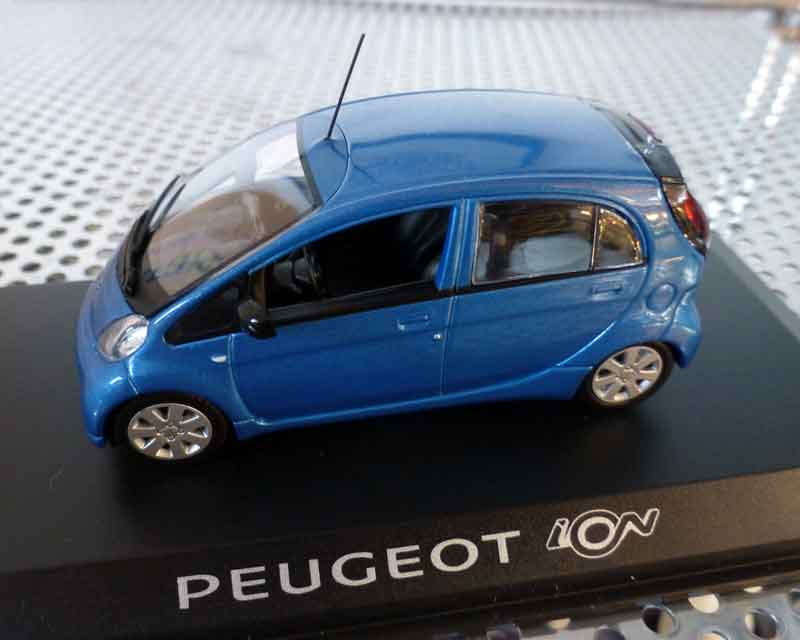Peugeot ION blau-Metallic